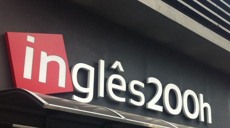 INGLÊS 200H | Promoção oferece três parcelas gratuitas para quem se matricular até 14 de dezembro